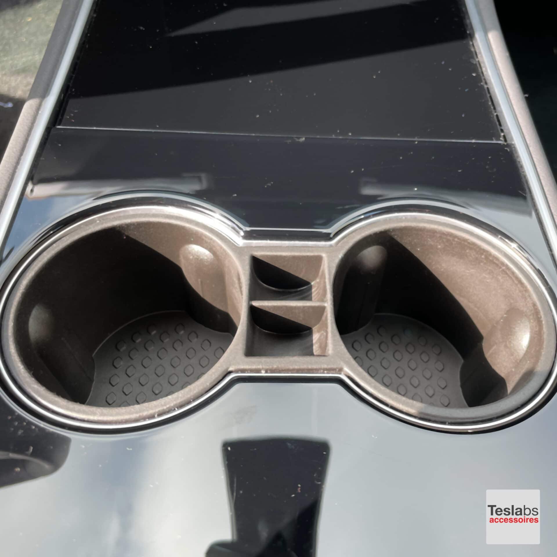 Tesla Model 3 bekerhouder in Tesla