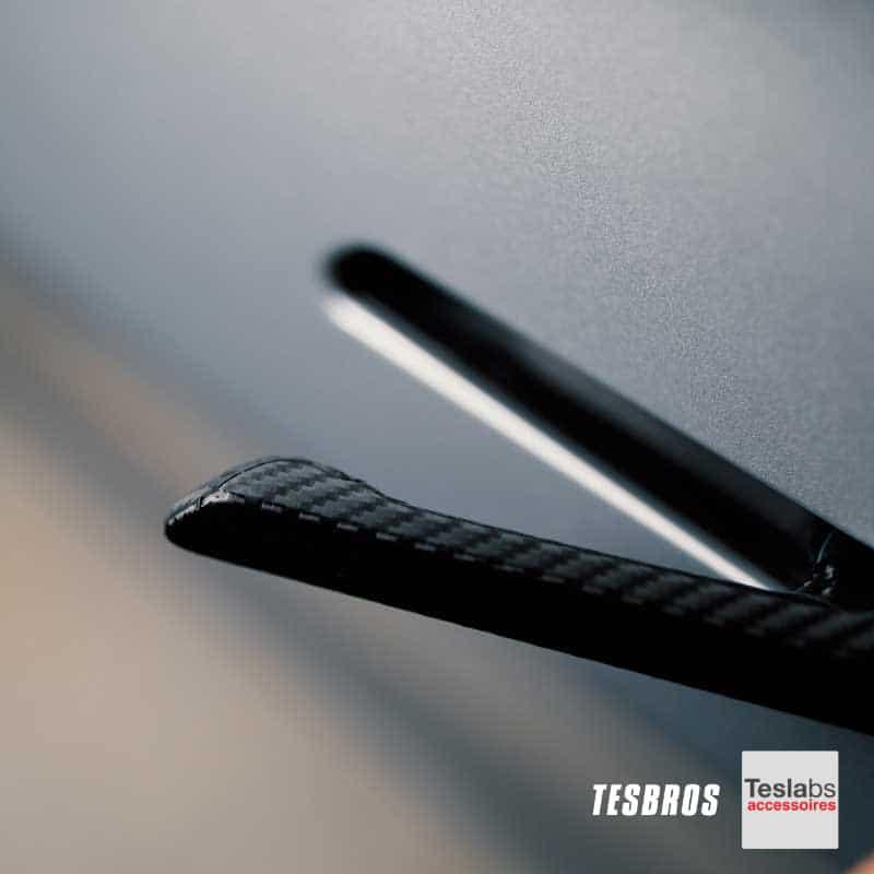 Model 3/Y - Deurhendel wrap carbon black open